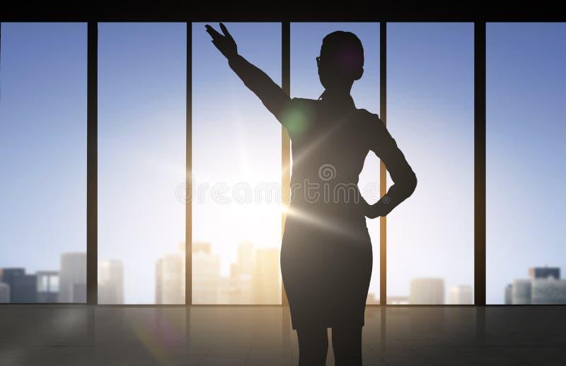 Kontur av affärskvinnan som pekar handen royaltyfri illustrationer