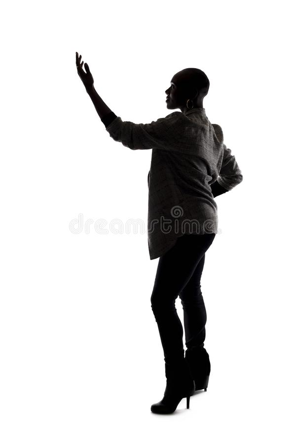 Kontur av en svart kvinnlig modell Acting arkivbild