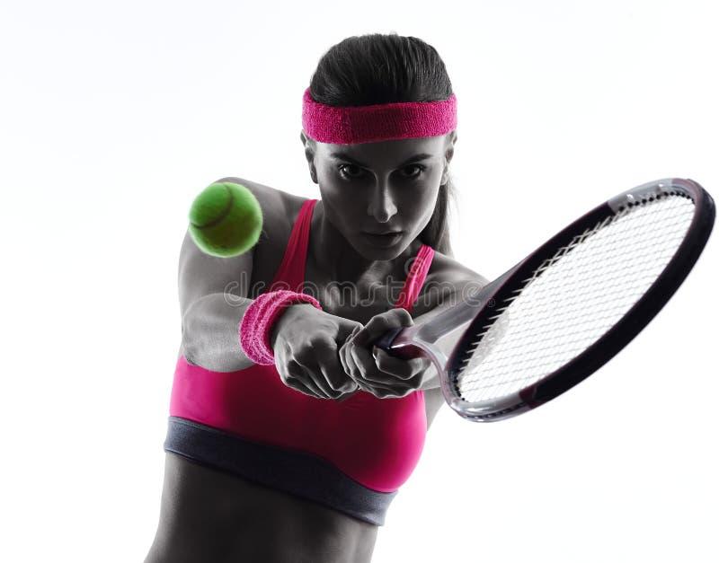 Kontur för kvinnatennisspelarestående royaltyfri bild