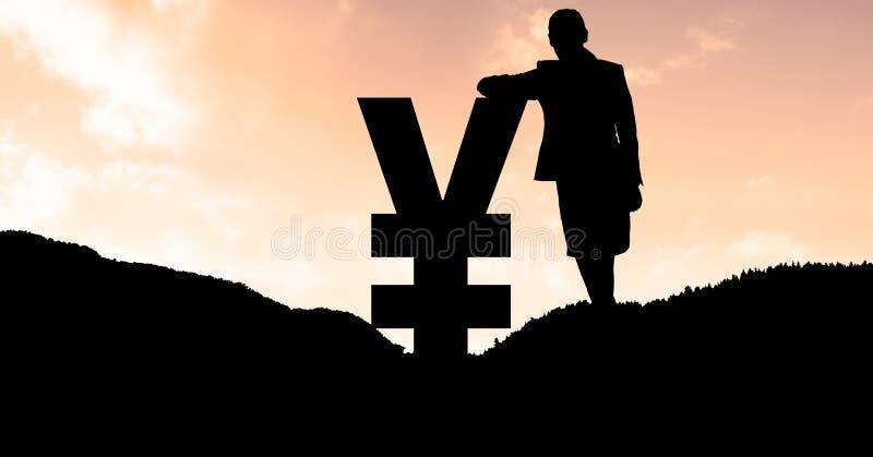 Konturaffärskvinnabenägenhet på yensymbol på berget under solnedgång arkivfoton