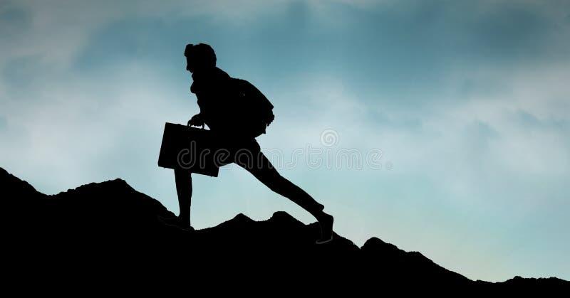 Konturaffärsperson som går på berget mot himmel arkivfoto