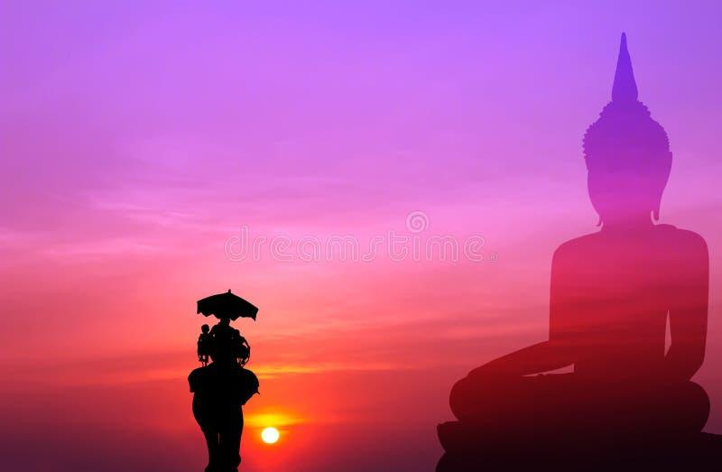 Konturelefant med turisten med stor buddha bakgrund på s stock illustrationer
