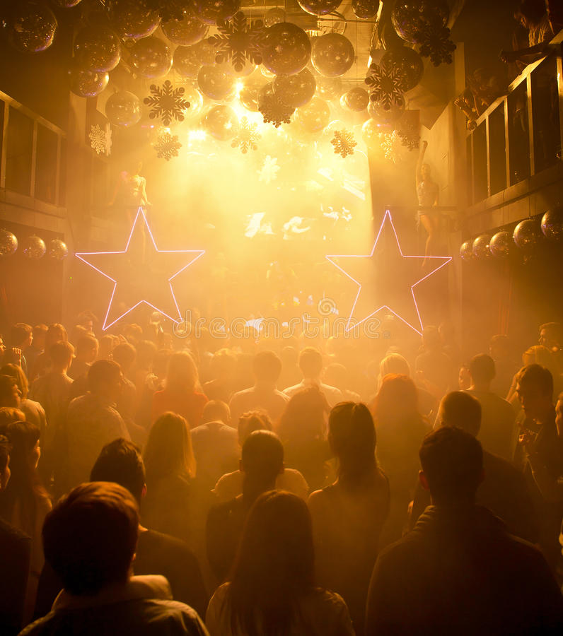 Konturer av folk på nattklubben royaltyfria bilder