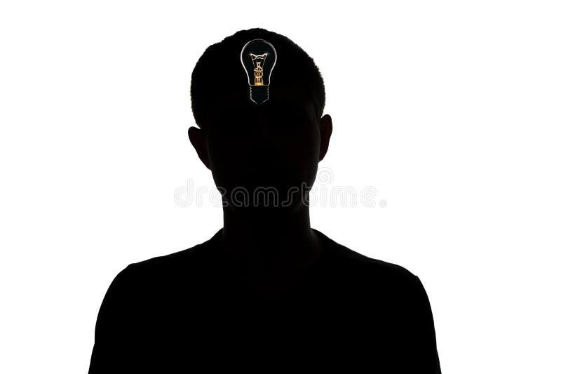 konturn av en okänd man, som grydde på idé på en vit, isolerade bakgrund, begreppstanke arkivfoton