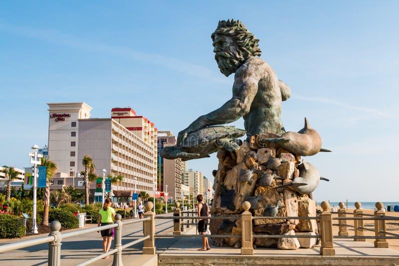 Konung Neptune Statue Along Virginia Beach Oceanfront Boardwalk arkivfoto