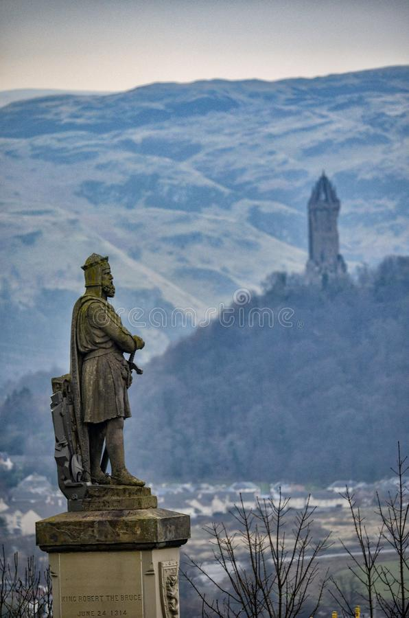 Konung Robert Brucen och William Wallace Tower royaltyfri foto