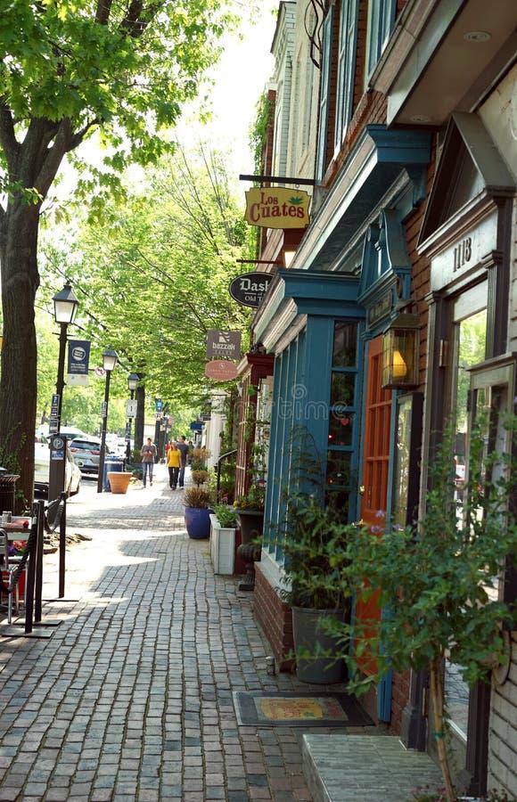 Konung Street i historiska Alexandria, Virginia royaltyfri fotografi
