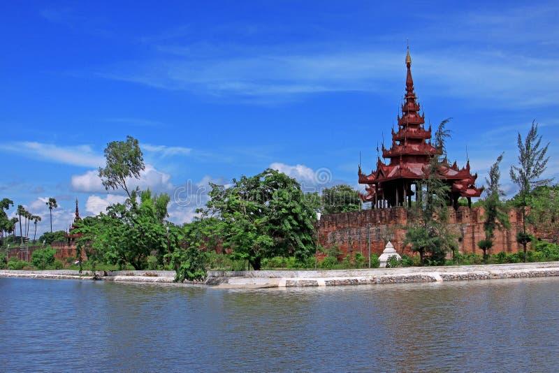 konungmandalay slott royaltyfria bilder