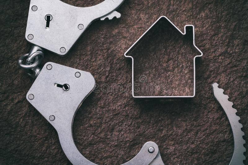 Konzept auf den Immobilien und Flucht von den Steuern stockfoto