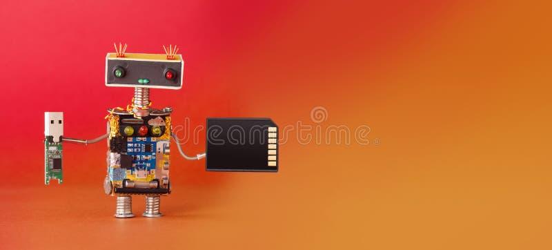Konzept der elektronischen Ausrüstung des Medieninformationsspeichers Roboter mit usb und codierter Karte Roboterspielzeug des kr lizenzfreies stockfoto