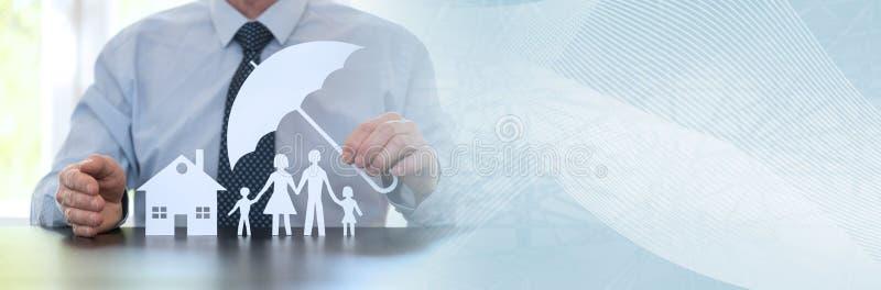 Konzept der Familie und des Hauptschutzes Panoramische Fahne lizenzfreie stockbilder