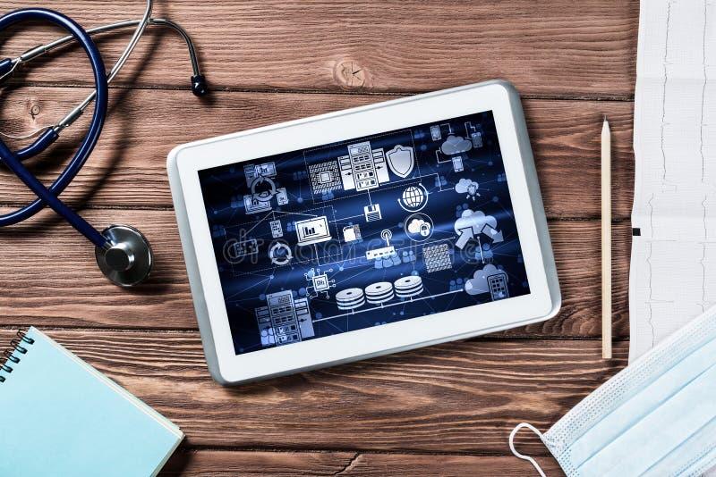 Konzept der modernen Medizin mit Tablette auf Holztisch von der Draufsicht lizenzfreie abbildung