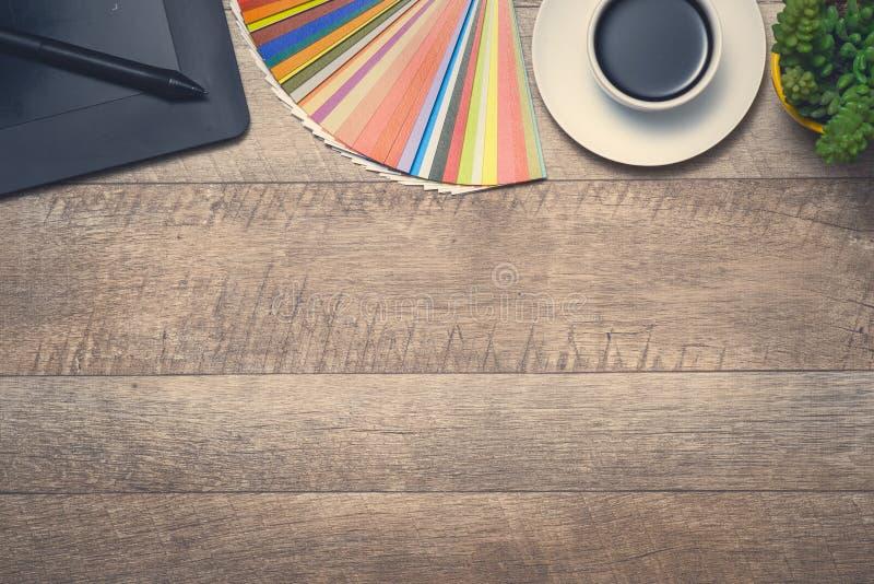 Konzept des DesignerArbeitsplatzes lizenzfreie stockbilder