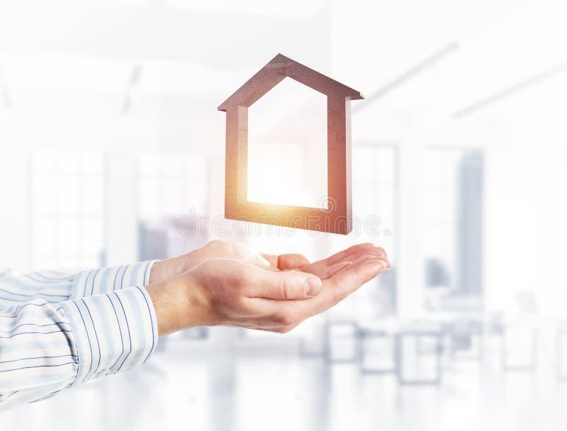 Konzept des Erfolgs und Wohnungen dargestellt durch Steinsymbol in m stockfotos