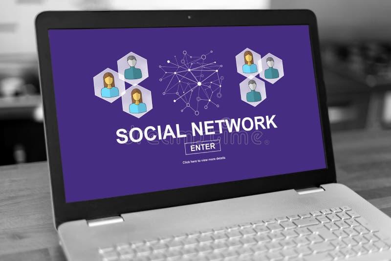 Konzept des Sozialen Netzes auf einem Laptop lizenzfreie stockfotos