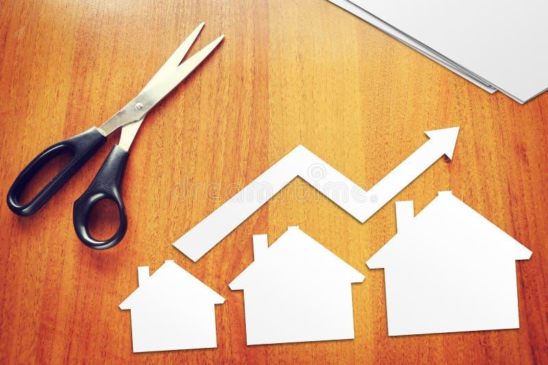 Konzept des Umsatzwachstums von Immobilien lizenzfreie stockbilder