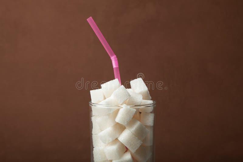 Konzept vielen Zuckers im Soda stockfotos