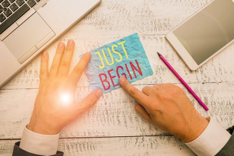 Konzeptuelle Handschrift zeigt Just Begin Business-Fototext zu starten Eintreten Begin zu tun, um etwas in der Wirtschaft oder stockfotos