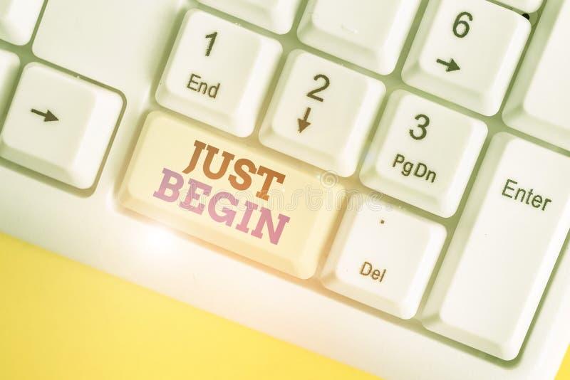 Konzeptuelle Handschrift zeigt Just Begin Business-Fototext zu starten Eintreten Begin zu tun, um etwas in der Wirtschaft oder lizenzfreie stockfotos