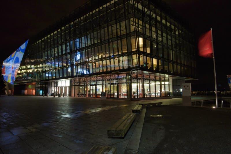 Konzertsaal nachts in Stavanger stockfotos