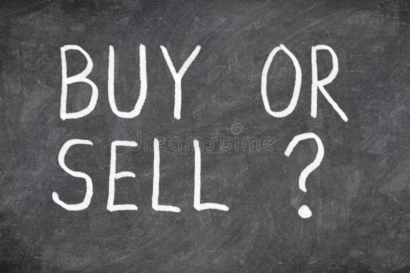 Koop of verkoop vraag over bord royalty-vrije stock afbeelding