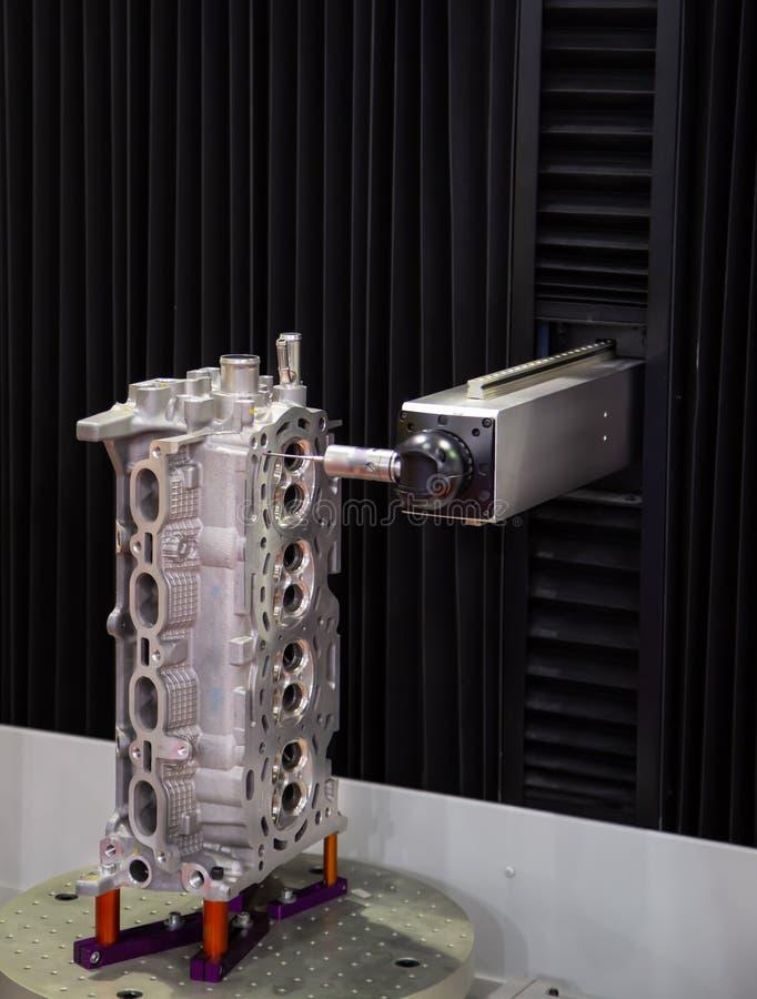Koordinaten-Messen CNC CMM Roboter lizenzfreie stockfotografie