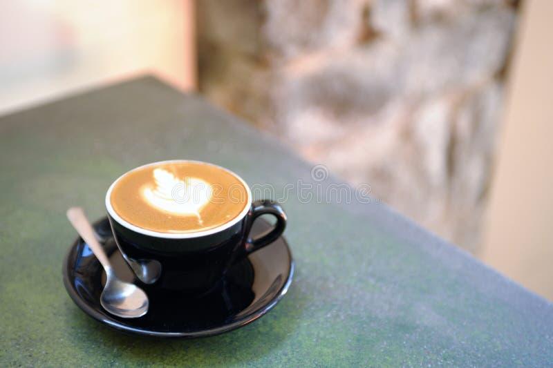 Kop cappuccino's stock foto's