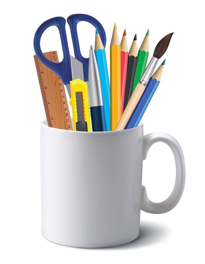 Kop met bureauhulpmiddelen op wit worden geïsoleerd dat realistisch vector illustratie