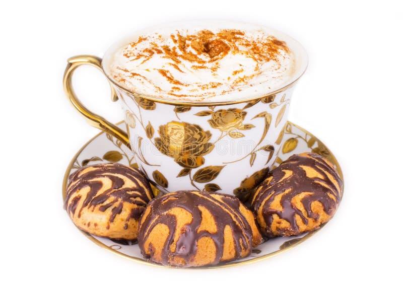 Kop van cuppuccino met koekjes stock foto's