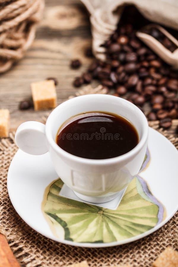 Download Kop van koffie stock afbeelding. Afbeelding bestaande uit ruimte - 29507007