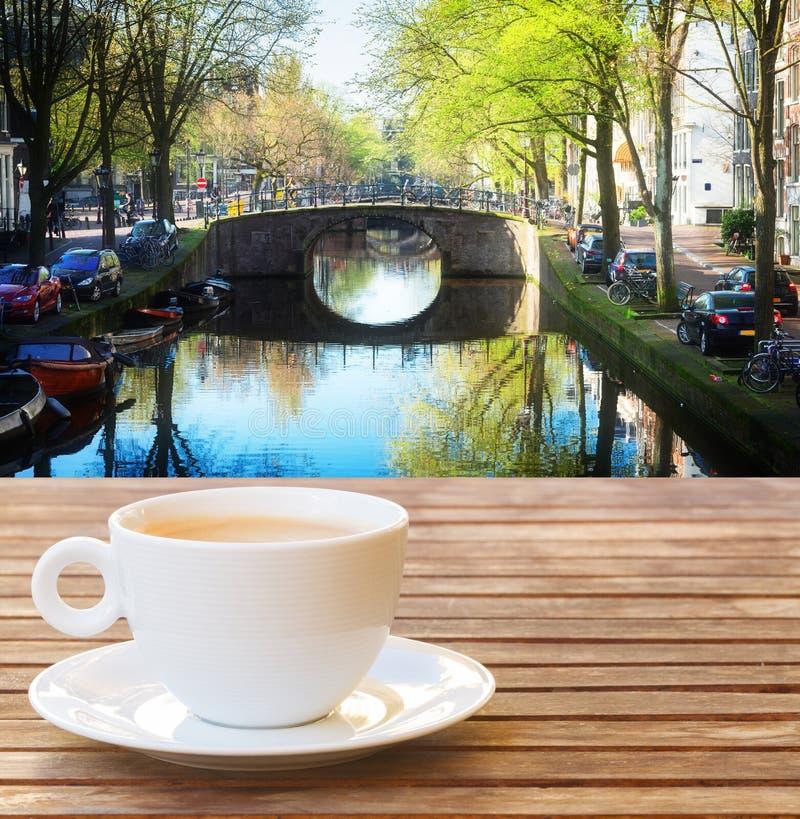 Kop van koffie in Amsterdam royalty-vrije stock afbeeldingen