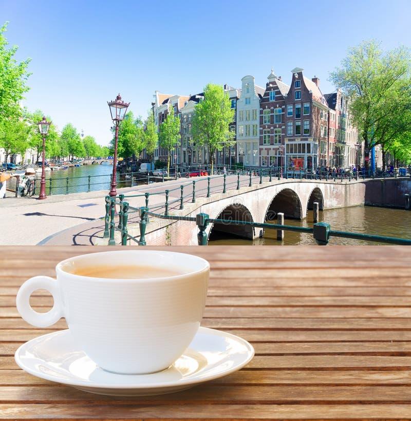 Kop van koffie in Amsterdam royalty-vrije stock fotografie