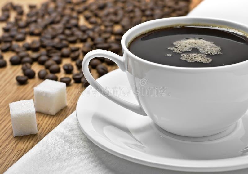 Kop Van Koffie Op Een Tafelkleed Stock Foto's