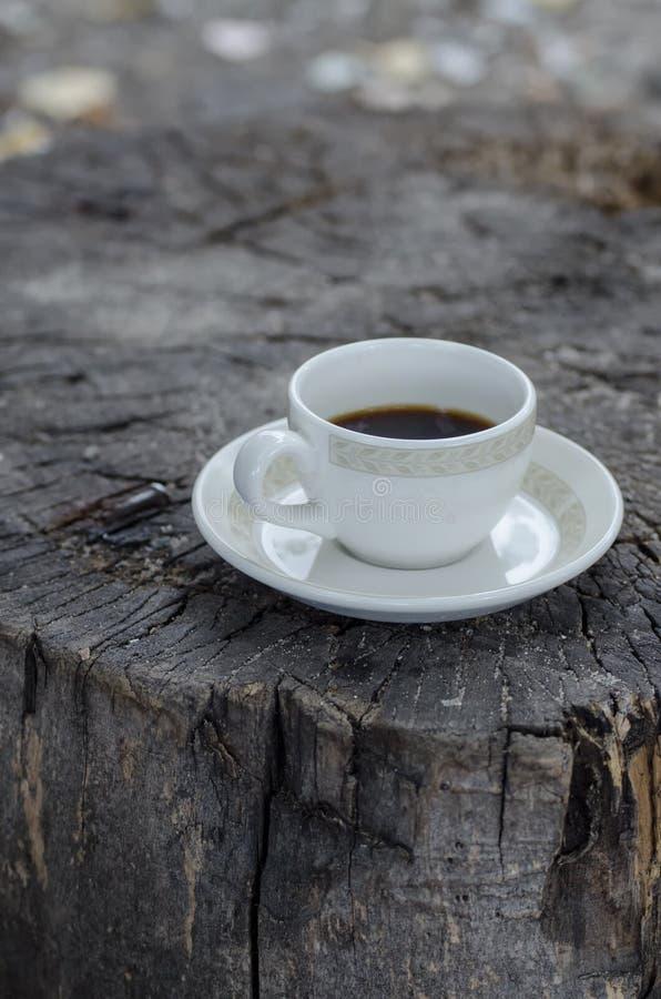 Kop van koffie openlucht stock afbeelding