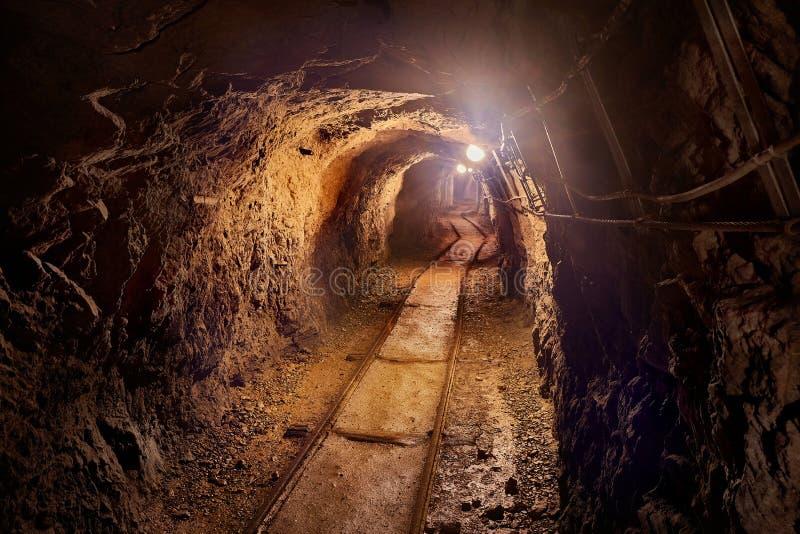 kopalniany stary tunel obraz stock