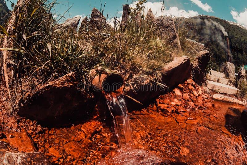 Kopalny kuracyjny seltzer źródło wody - Narzan, Elbrus region, Rosja obrazy royalty free