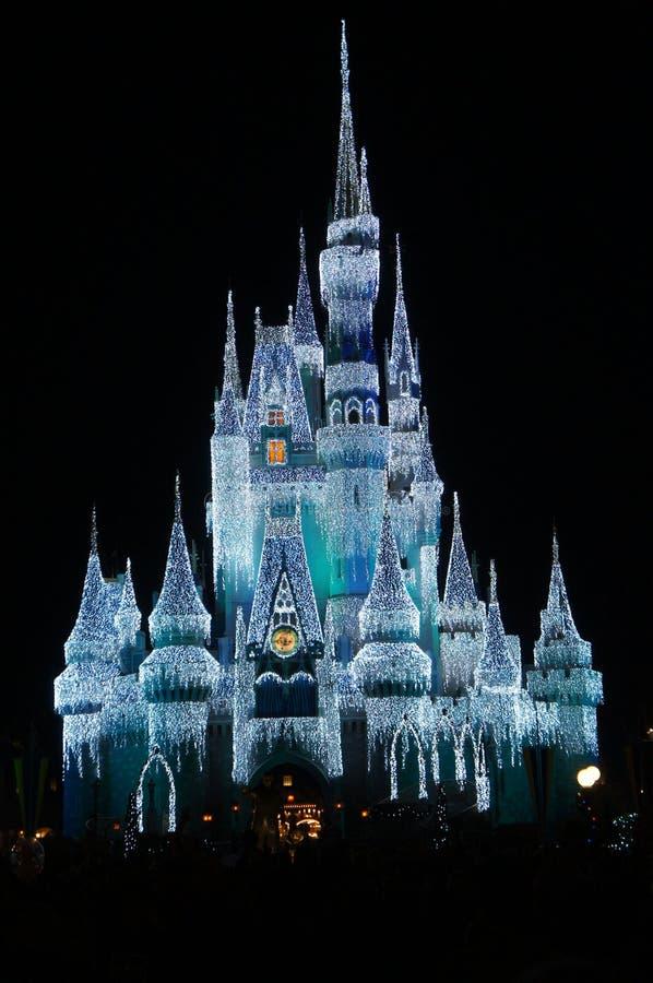 Kopciuszek kasztel iluminujący przy nocą zdjęcie royalty free