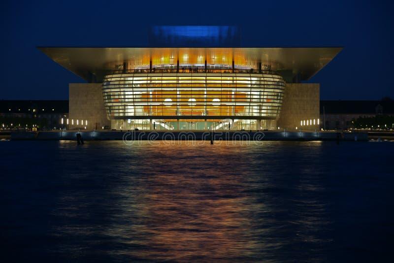 Download Kopenhagen-Opernhaus Bis Zum Nacht Redaktionelles Bild - Bild von ansicht, gesellschaft: 27729125