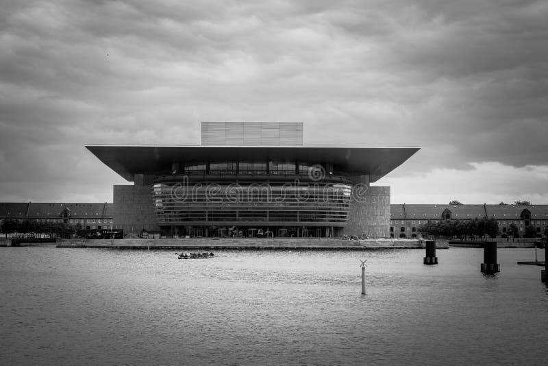 Kopenhagen-Opernhaus in Schwarzweiss stockfoto