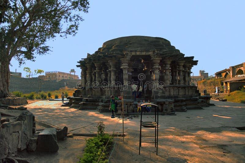 Kopeshwar寺庙 从西南Khidrapur,戈尔哈布尔,马哈拉施特拉,印度的看法 免版税库存图片