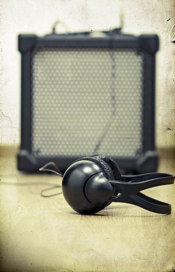 Kopfhörer und Verstärker stockfoto