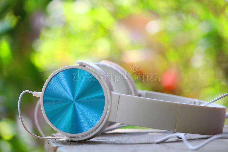 Kopfhörersprecher lizenzfreie stockbilder
