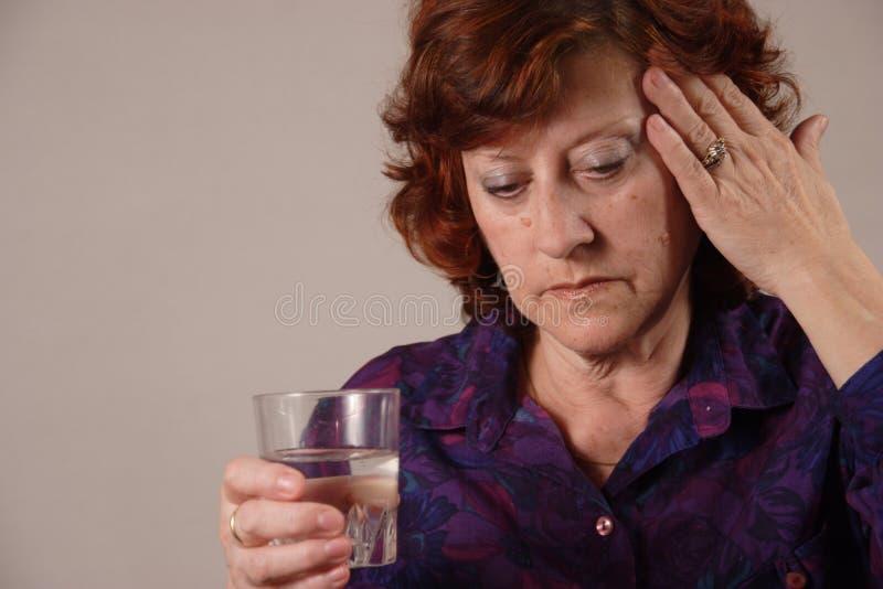 Kopfschmerzen. stockfotos