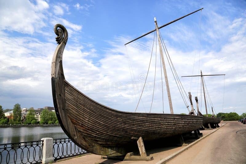 Kopieën van de Vikings Drakkar, gebouwd voor het filmen van de film royalty-vrije stock fotografie
