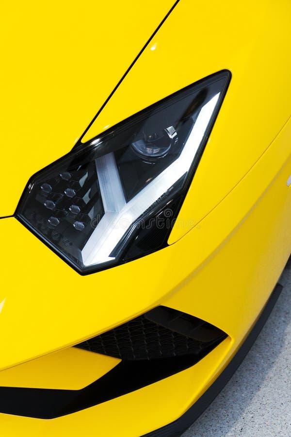 Koplampdetail op sportwagen, de coupé van Lamborghini Aventador S royalty-vrije stock fotografie