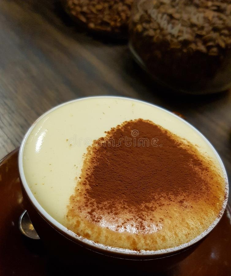 Kopp av äggkaffe, Hanoi, Vietnam fotografering för bildbyråer