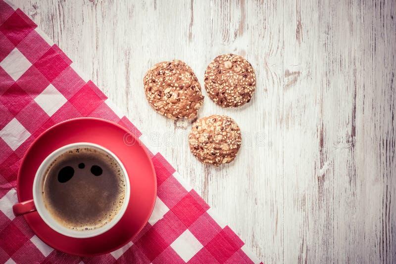 Kopp av uppfriskande kaffe fotografering för bildbyråer
