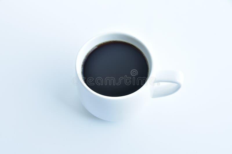 Kopp för vitt kaffe på vit bakgrund royaltyfri bild