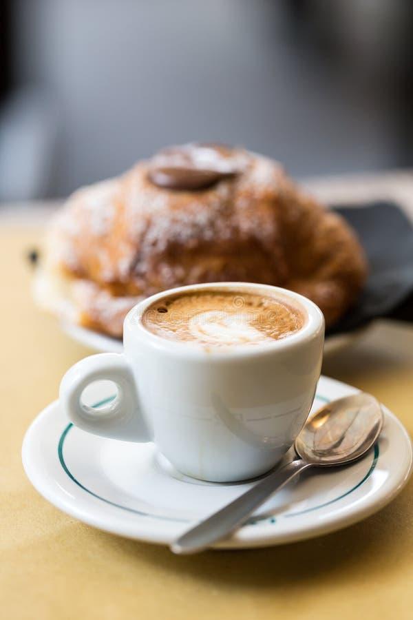 Kopp kaffe med giffel royaltyfri fotografi