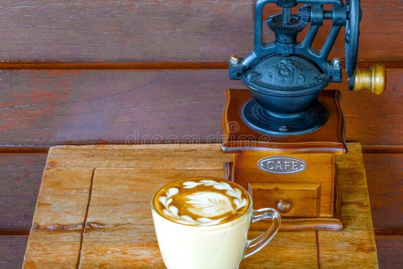 kopp kaffe och en molar arkivfoton